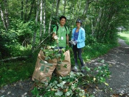 NWP volunteers removing invasives